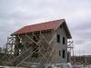 Крыша из цементно-песчаной черепицы готова.